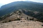 Camí al Coll d'Eres des del cim delMontcau