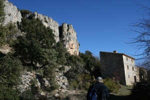 Mas Remigia i cinglera de la Cova Remígia al Barranc de Gasulla